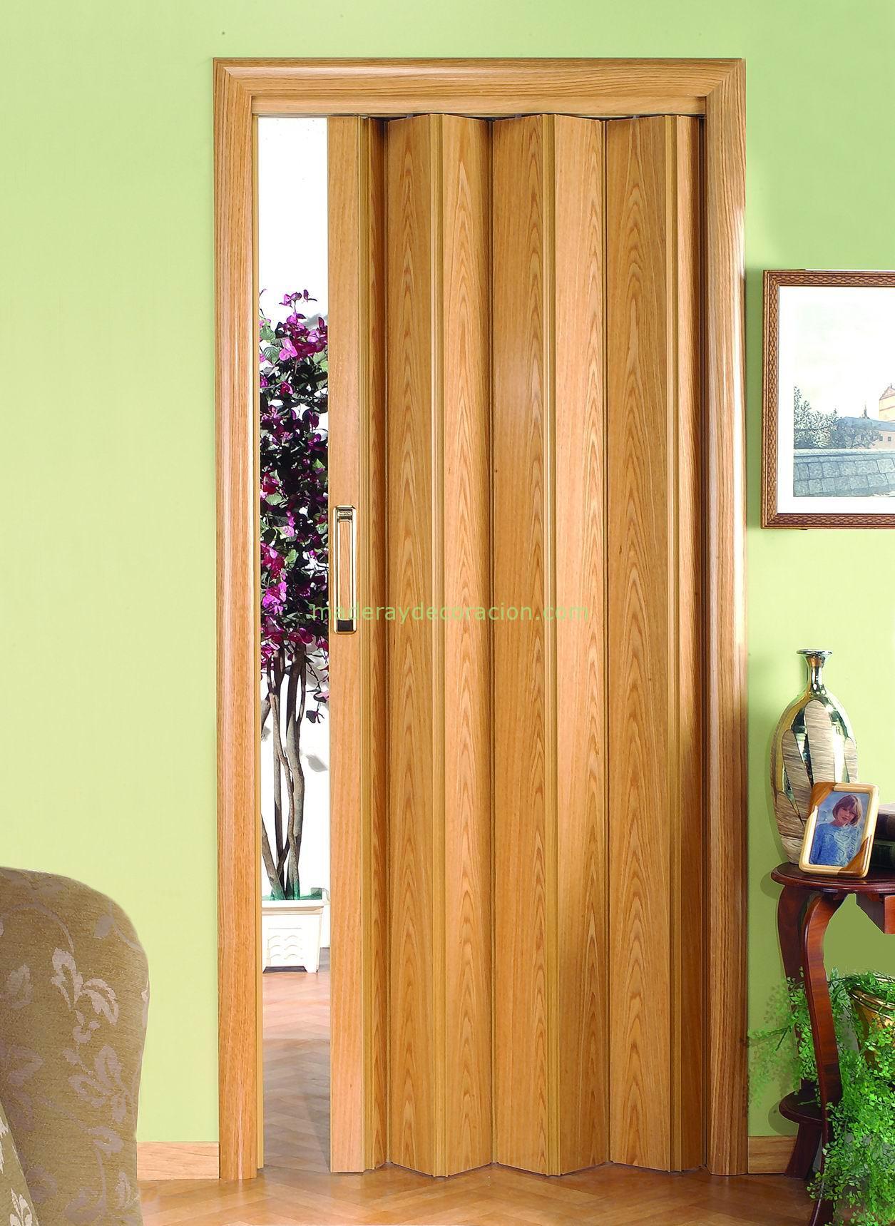 Puertas plegables a medida de madera y pvc for Precios en puertas de madera