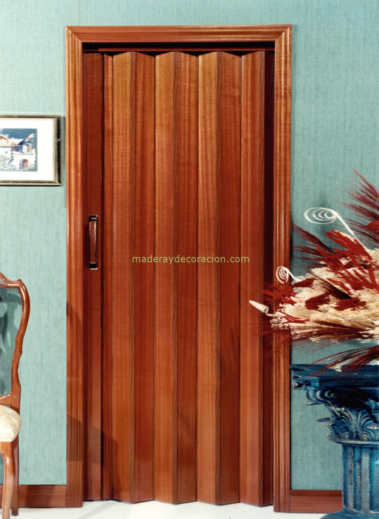 Puertas plegables madera natural for Puertas madera natural