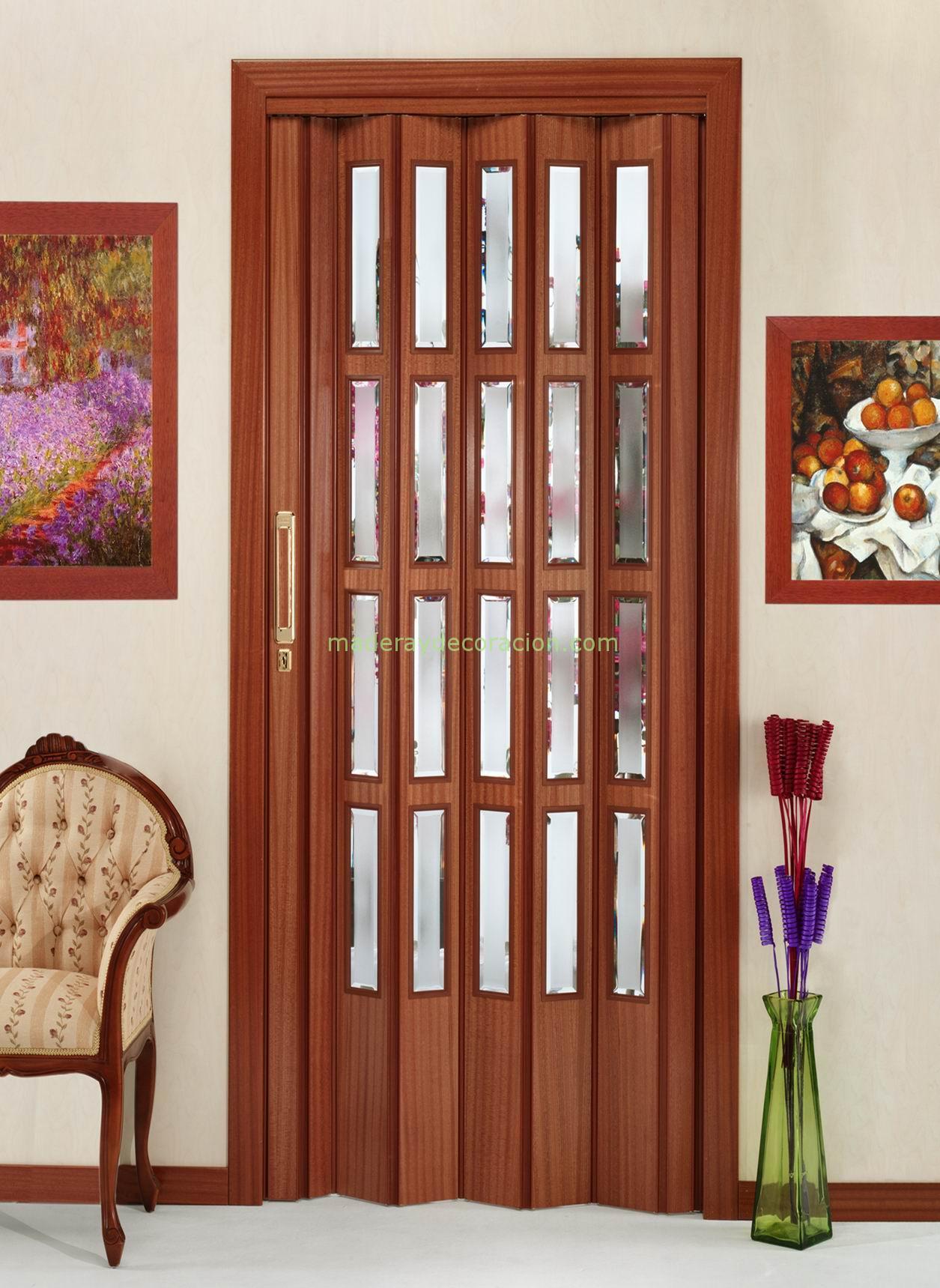 Puertas plegables a medida de madera y pvc for Puertas galvanizadas medidas